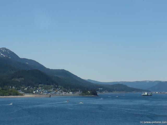 West side of Juneau as viewed from Norwegian Pearl.jpg